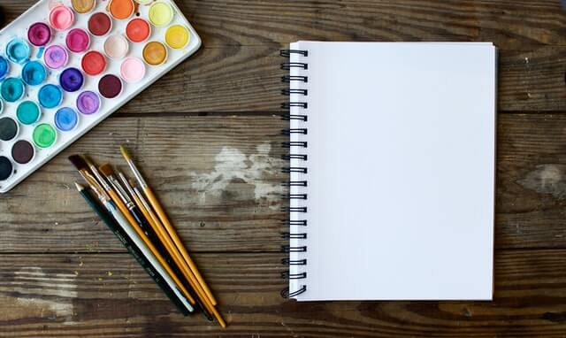 Painting, one of the cognitive games that can develop any adult's brain