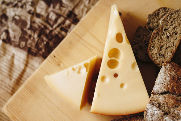 Easily digestible foods for your stomach: cheese