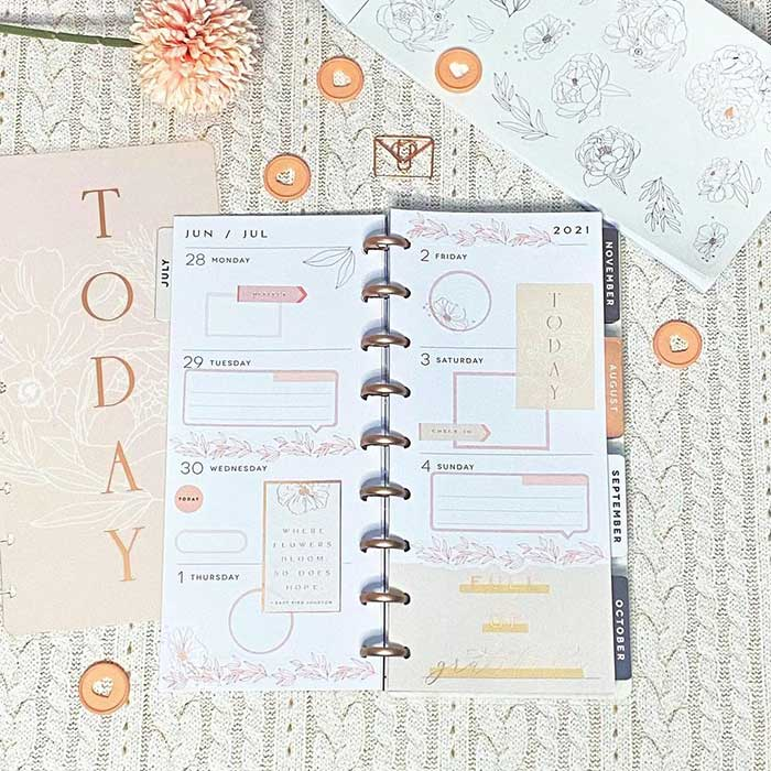 Skinny classic weekly spread template