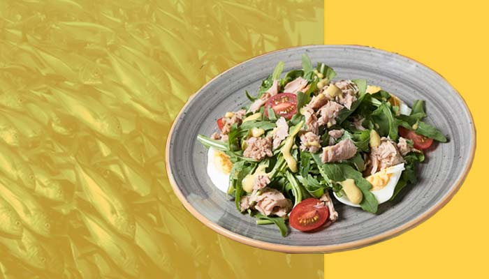 Canned tuna salad, a high-calorie snack that is rich in proteins.
