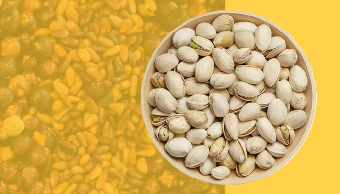 Pistachios, a high-calorie snack that is rich in fats.